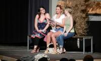 Lisa mit ihren Freundinnen Kathi und Steffi